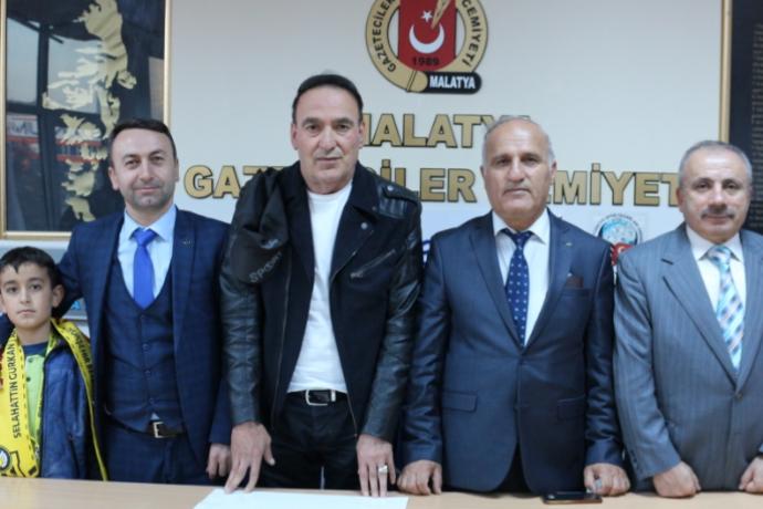 Malatya Gazeteciler Cemiyetine Ömer Çiçek ve Murat Maskar hayırlı ...